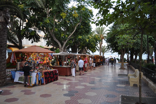 Mercadillo de la calle principal de Santa Eulalia