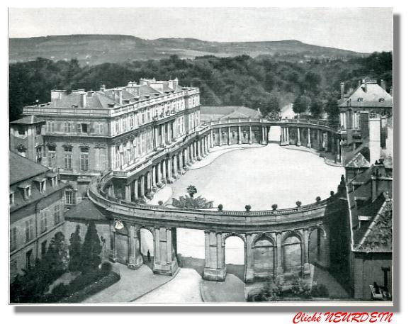 NANCY. - Hémicycle de la Carrière - Palais du Gouvernement