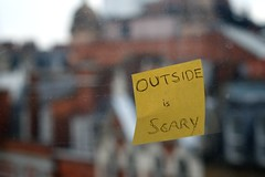 Day 7 - The Outside is Scary! (Cristiano Betta) Tags: uk cold london window weather yellow outside scary postit note project365 afnikkor50mmf18d