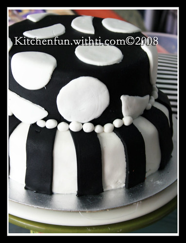 black and white, cake, pretty, sweet, yummy
