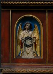 Xanten, Dom St. Victor, Martinusaltar, side panel (groenling) Tags: wood angel cathedral dom carving altar nrw engel holz langenberg rheinland xanten crownofthorns stiftskirche dornenkrone victordom domstvictor martinusaltar stmartinsaltar