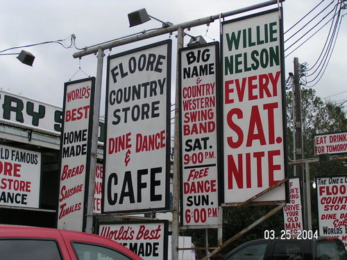 Willie Nelson U0026 Family At Flooreu0027s Country Store!