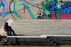 Senza titolo (per ora...) (Xelisabetta) Tags: roma love canon graffiti tevere amore sanvalentino abbraccio eos400d xelisabetta elisabettagonzales settimana132009romamor