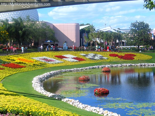IMG_5861-EPCOT-flowers-landscape-lagoon