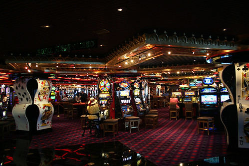 Royal Flush Casino (Carnival Splendor)