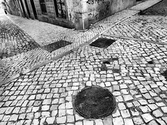 Almost empty #2 (Rui Palha) Tags: street people urban bw underground blackwhite lisbon 24mm rainydays ruipalha