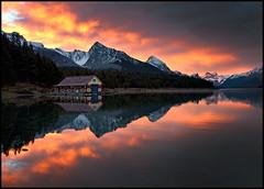 Maligne Lake Sunrise (Artvet) Tags: natureslight