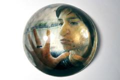 humor aquoso (Rodrigo Uriartt) Tags: art contemporary bubble resin portfolio bolha photosculpture aqueoushumor beeflight humoraquoso selecturset03