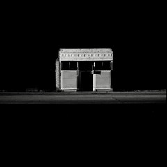 Taxidermy shop, Butte (efo) Tags: bw building night montana butte lone isolated superikonta fomapan400 autaut