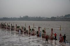 Ganga in Rishikesh (Cheshire Cat's Friend) Tags: india river monsoon ganga pilgrims rishikesh gange theindiatree hinduholycity waitingforcelebrations mygearandme mygearandmepremium