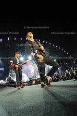 COLDPLAY (francesco prandoni) Tags: italia coldplay concerto musica chrismartin spettacolo udine willchampion guyberryman johnnybuckland stadiofriuli vivalavidatour tour2009