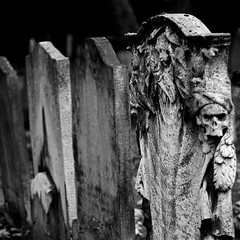 """A fool sees not the same tree that a wise man sees."" - William Blake (Chris JL) Tags: uk bw london cemetery photo clerkenwell bunhillfields williamblake nikond90 nikkor50mmf14g chrisjl"