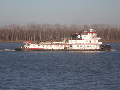 River tugboat on Tennessee River at Paducah, Kentucky