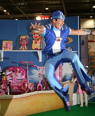 Toy Fair - Sportacus (Hot Grill) Tags: toy town costume jump action fair lazy 2009 lazytown sportacus