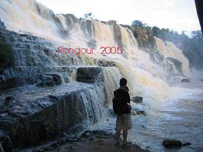 Tha'c Pongour tra`o dang cua nam 2005 by thao_viet89_1.