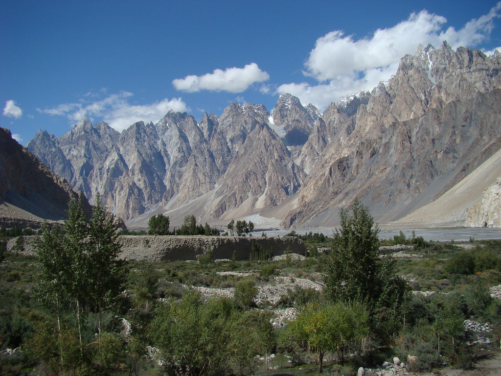3362948379 97e66b81f2 b - Stunning Beauty Of Hunza Valley Pakistan