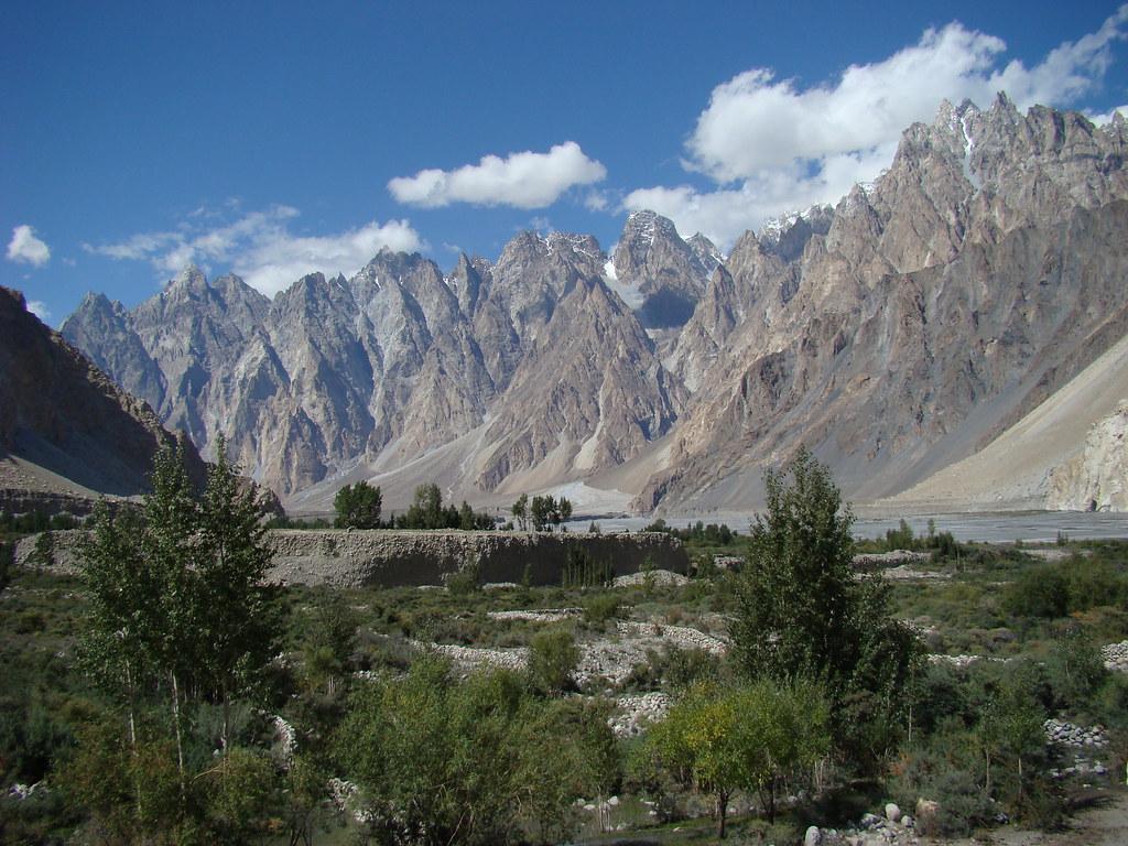 3362948379 97e66b81f2 b - Stunning Beauty Of Hunza Valley Pakistan