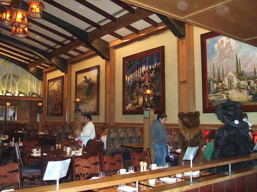 Character Dining at Storyteller's Cafe