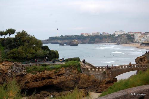 Biarritz - Rocher du Basta by Rufino Lasaosa