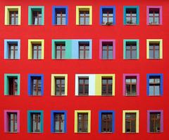 Teaser Berlin 2009 (picture_addicted) Tags: blue red house berlin green rot facade d50 kreuzberg germany deutschland nikon colorful purple gelb 2009 gruen bunt fassade zossenerstrasse pictureaddicted