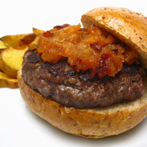 Stuffed maple burger with spicy apple bacon compote