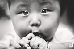 O | Zhejiang (China) (andrea erdna barletta) Tags: china portrait blackandwhite blancoynegro face childhood wow children happy eyes infant asia asien child noiretblanc retrato portrt beb hangzhou bimbo bebe asie portret ritratto kina  cina biancoenero  portrat chino xina zhejiang cinese  bebek sugling  blancetnoir   nouveaun portrt chiny in beb schwarzundweiss recmnascido     canon24105f4lisusm erdna na andreabarletta chiczycy schwarzweisfotografie   canon5dmarkii    infoerdnait wwwerdnait
