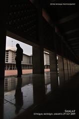 Shalat (peterwidjaja) Tags: indonesia landscape mosque jakarta istiqlal shalat