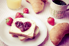~All happiness depends on a leisurely breakfast~ (Pink Pixel Photography (f.k.a. Sunny)) Tags: breakfast heart strawberries youknowwhoyouare sigma1770mm canoneos400d forsomeonespecial heartybreakfast scarletsunday wwwpinkpixelat pinkpixelphotography needtodomoreagain imissdoingstilllifes imsurethesomeonespecialyouaretalkingaboutwouldlovetohavesuchabreakfastwithyou ifiseethatsomeoneagainidmakehimbreakfastlikethateverysingleday