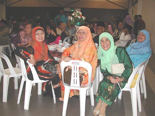 Bekas penuntut wanita MHSS, mantan 64