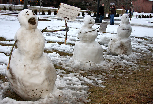 Calvin and Hobbes-esque snowmen
