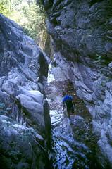 Canyon de Petra Pinzuta (Conca) : la vasque d'arrivée du rappel avec Laurent