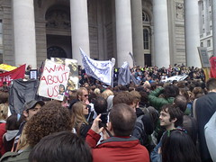 picture of protesters outside the Bank of England