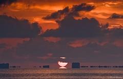 Amancer en La Manga desde los Urrutias (Popewan) Tags: sea sun sol beach sunrise mar playa amanecer lamanga marmenor reflexion cartagena reflejos urrutias popewan