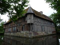 Manoir de Coupesarte, Calvados, lundi 20 juillet 2009. (Guillaume Cingal) Tags: auge paysdauge calvados manoir colombages coupesarte