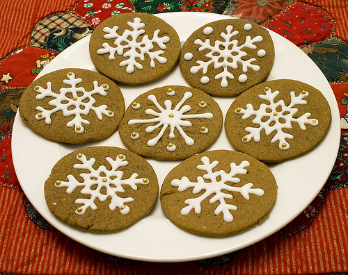 gingerbread cookies frosted 1
