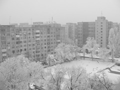 ...dupa blocurile gri (Razvan...) Tags: winter snow finepix coolpix fujifilm s5700