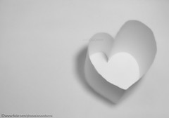 White Heart (ANOODONNA) Tags: bw white paper idea heart alrasheed alanood   anoodonna