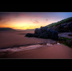 """ THREE CLIFF'S BAY "" (Wiffsmiff23) Tags: sky 3 seaweed green sunrise three sand rocks stream ripples tranquil hdr threecliffsbay thegower"