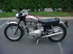 Royal Enfield interceptor mk1a 1967 (motosanglaises) Tags: classic vintage motorbike moto motorcycle constellation ancienne interceptor motorrad royalenfield britishmotorcycle britishtwin supermeteor interceptorserie2