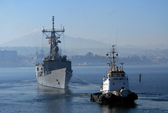 USS Thach (FFG 43) gets underway from Puerto Montt, Chile (Official U.S. Navy Imagery) Tags: chile ships navy sailor usnavy underway puertomontt guidedmissilefrigate chileannavy scheduledportvisit ussthachffg43