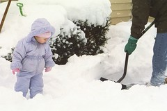 Ellie_watching_dad_shovel