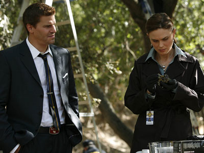 4x11 - The Bone that Blew by Bones Picture Archive.