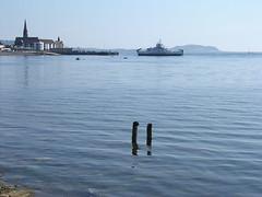 Punching Through The Waves (W F B) Tags: ocean uk sea water ferry scotland clyde boat nikon july escocia 27 2008 schottland ayrshire largs ecosse scozia 苏格兰 шотландия