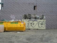 Fact floater & Werm (Billy Danze.) Tags: chicago graffiti xmen d30 fact tfo jmc j4f werm