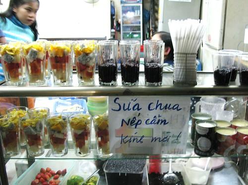 Sua chua nep cham shop, Hanoi, Vietnam
