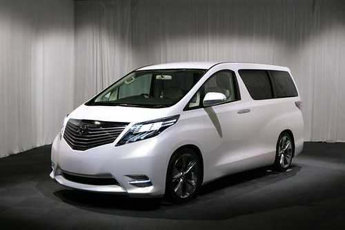 Toyota Alphard 2009 Front