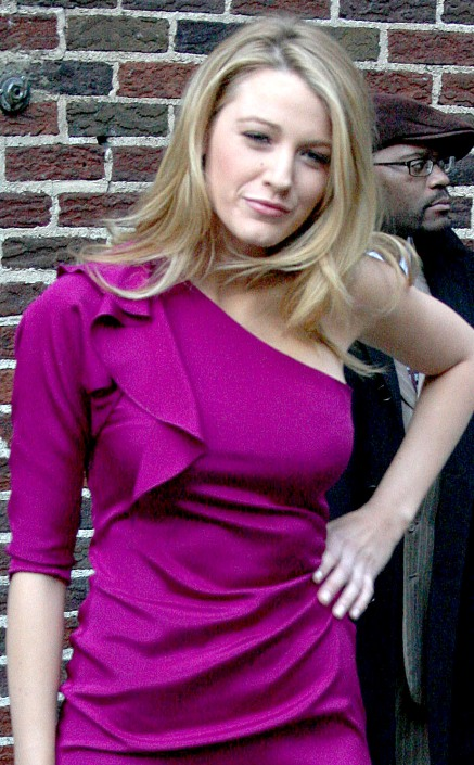 blake-lively-purple-perfection (1)