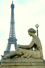 The Lady and the Tower (Kurlylox1) Tags: sculpture woman paris statue gardens composition torre mulher eiffeltower juxtaposition trocadero estatua contemplation infinestyle