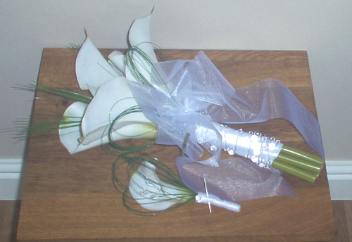 *marianne 307 po*  brides calla hadtied with grooms buttonhole by you.
