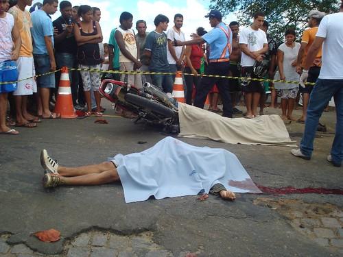 Acidentes com três vítimas fatais, neste domingo, em 16-08-09... 023 por você.